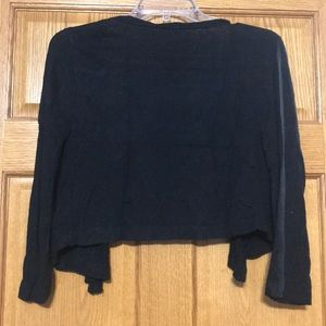 Studio Y Tops - 3/4 length crop cardigan